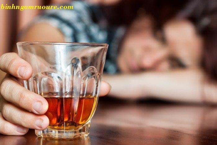Ngộ độc rượu là gì ? Nguyên nhân gây ngộ độc rượu và cách xử lý
